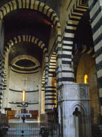 Monastero di San Pietro in Sorres: Interno