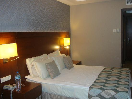 Belconti Resort Hotel: Double bed in the Luxury room