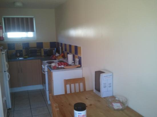 Parkdean - Mullion Holiday Park: a great kitchen, with everything u need
