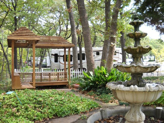 Treetops RV Resort: Beautiful grounds