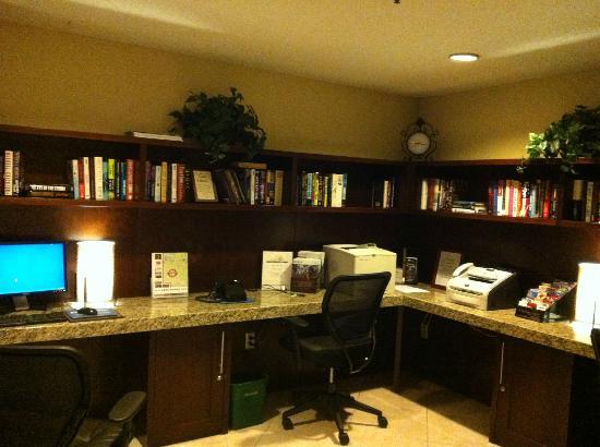 Wyndham Boca Raton Hotel: LIBRARY!!