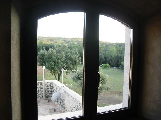 Mas Trobat: Vistas preciosas desde las ventanas de la habitación.