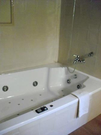 Mas Trobat: Bañera hidromasaje