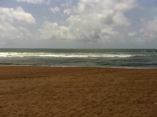 Paradise Village Beach Resort: hotel beach