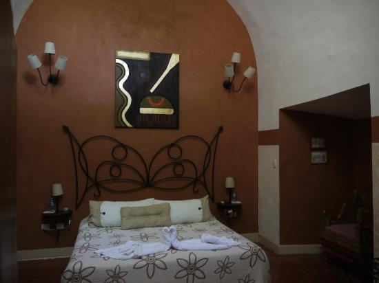 Hacienda Santa Cruz : 20 foot ceilings old world charm great food and spa