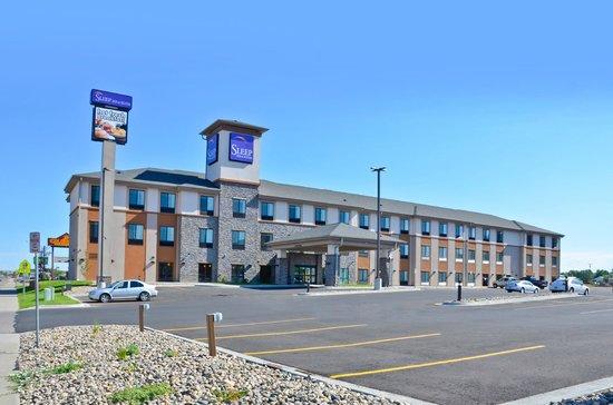 Sleep Inn & Suites : Hotel Exterior