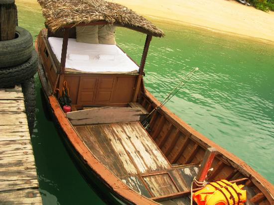 Six Senses Ninh Van Bay: the wooden boat for local fishing tour