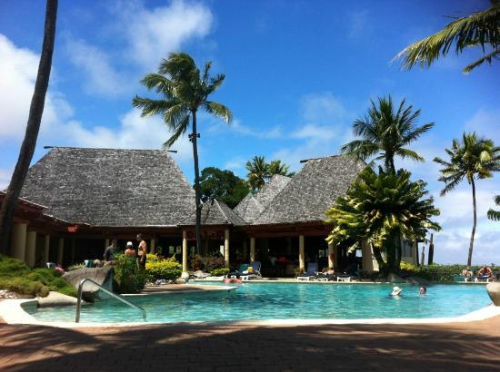 Shangri-La's Fijian Resort & Spa : Kid-free pool area. Good cocktails.