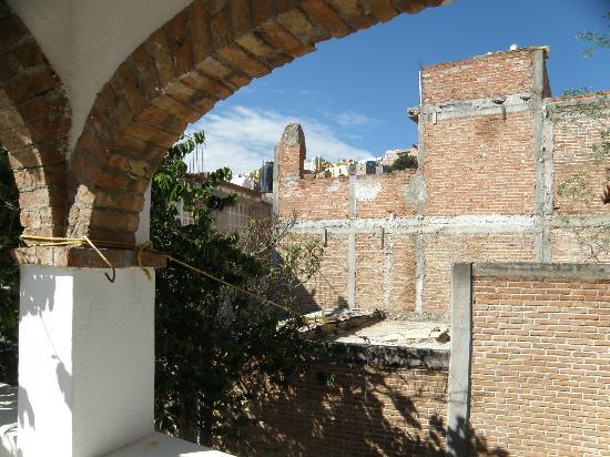 Adelita Language School: Otra vista de la terraza