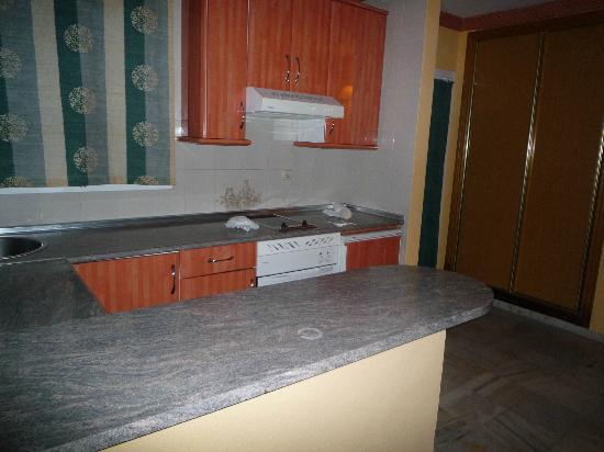 VIME La Reserva de Marbella: kitchen