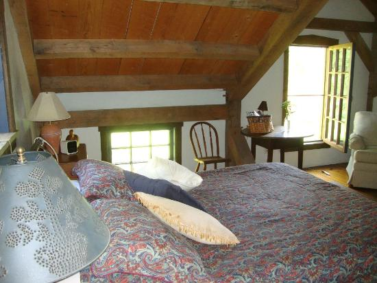 Meadowbrook School Bed & Breakfast: Blue Room 2