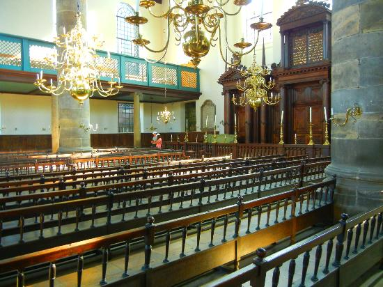 Synagogue portugaise : The interior of the Synagogue