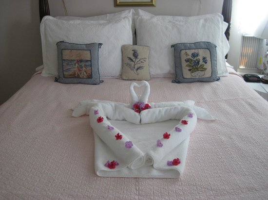 The Periwinkle B&B: An Anniversary welcome!