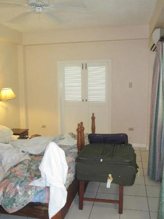 Plantation Beach Villas: Lower level bedroom