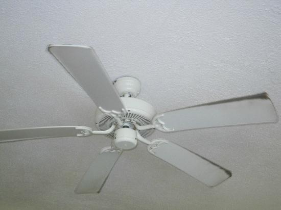 ‪‪Plantation Beach Villas‬: Ceiling fan‬