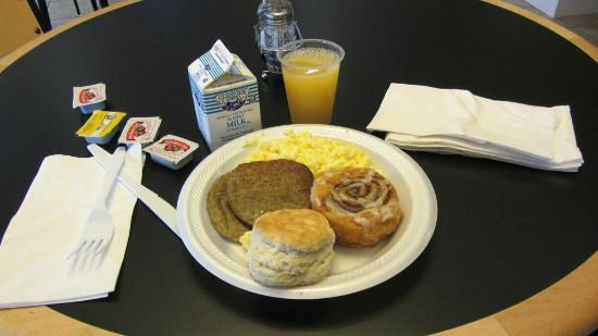 Holiday Inn Express Hotel & Suites Quincy I-10: Free breakfast