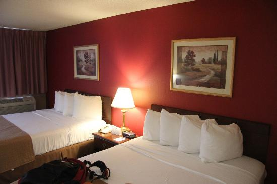 BEST WESTERN Executive Inn: Comfy beds,