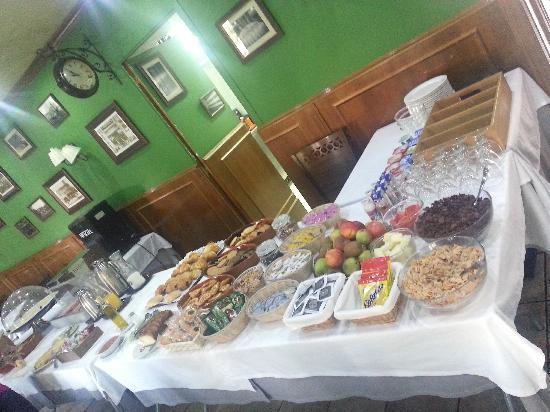 Hotel Jardín de Aranjuez: Buffet desayuno