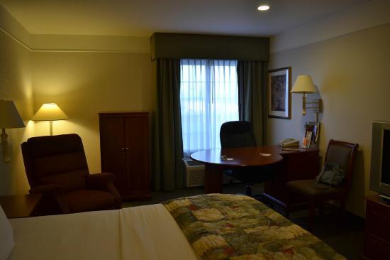 La Quinta Inn & Suites Visalia/Sequoia Gateway: Habitación
