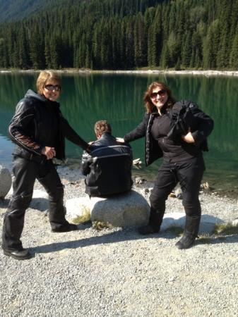 Best Western Plus Kamloops Hotel: Lois an Sabina resting on Rod