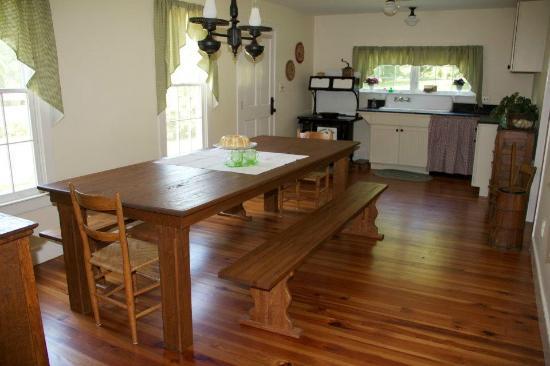Walton's Mountain Museum: Hamner House Kitchen!!!!!