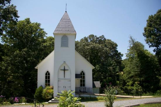 Walton's Mountain Museum: A front view of the actual church...
