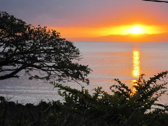 Daku Resort: SavuSavu sunset!