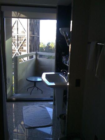 Le Meridien San Francisco: view form the bathroom: LOVE IT