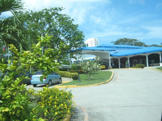 Hotel Playa Blanca Beach Resort: Entrada al hotel