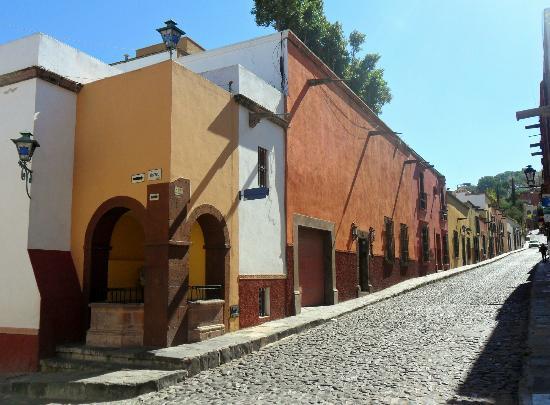 Posada Real de la Cruz: calle de hospicio