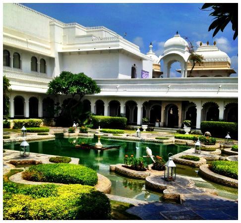 Taj Lake Palace Udaipur: One of the gardens
