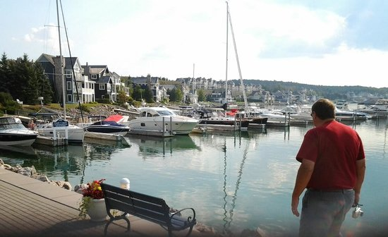 Upper Peninsula : Bar Harbor rest, , pier, hotel, shops