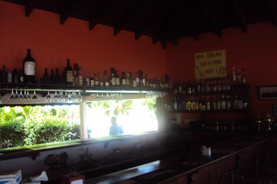 Petite Anse Hotel Grenada: The well stocked bar