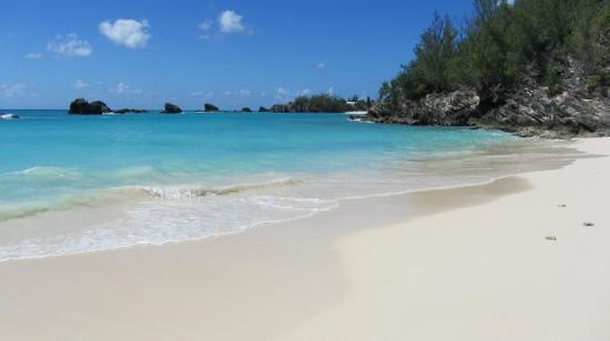 Fairmont Southampton: Private beach