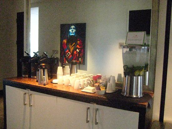 Hotel Ignacio : Coffe and fresh water in the lobby