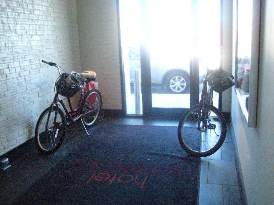 Hotel Ignacio: Bikes to use.