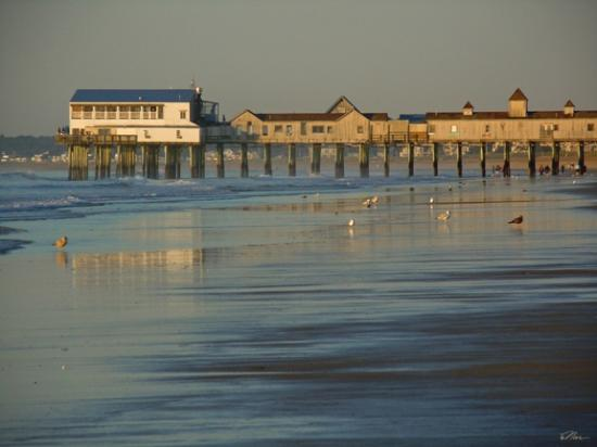 Normandie Oceanfront Motor Inn: Looking south on the Beach at the Old Orchard Pier, (this is a zoom)