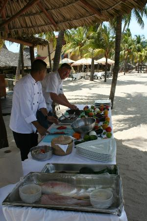 Villa del Sol Resort: Private beach front cooking class