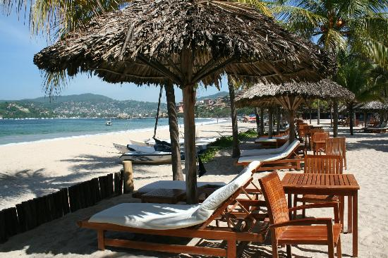 Viceroy Zihuatanejo: View from beach front
