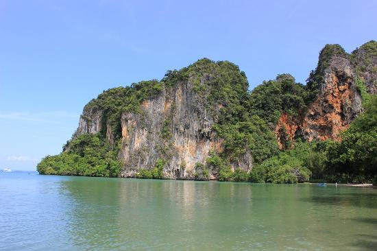 Sand Sea Resort: East Railay Beach