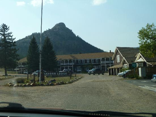 Elkhorn Lodge and Guest Ranch: entering the grounds