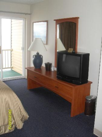 Magnuson Grand Hotel Lakefront Paradise: Hotel room