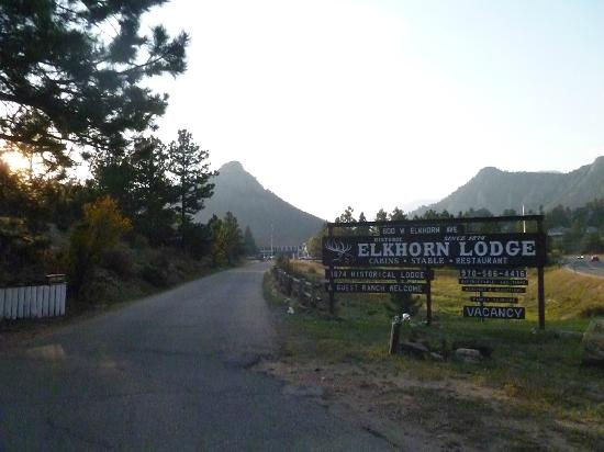 ‪‪Elkhorn Lodge and Guest Ranch‬: entrance