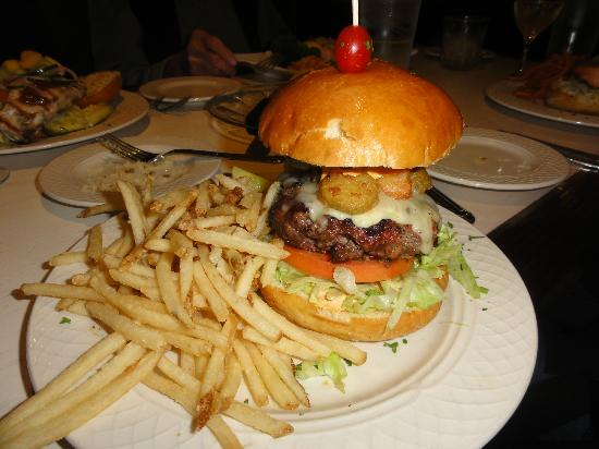 J Morgan's Steakhouse : Southwestern burger