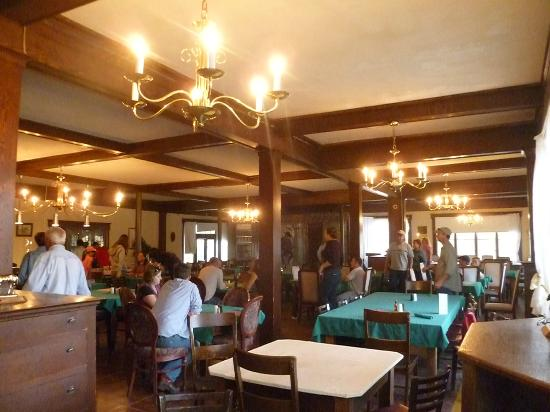 Elkhorn Lodge and Guest Ranch: dining room