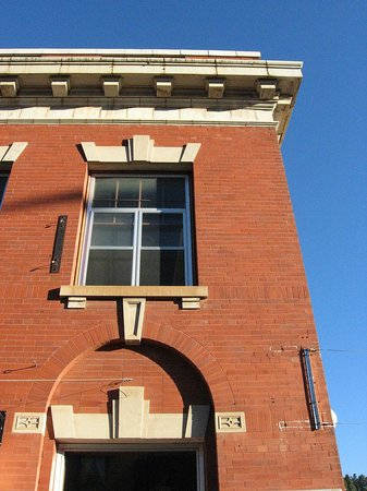 Historic Homestake Opera House: Exterior of 1914 building, built with 850,000 bricks from Coffeyville, KS