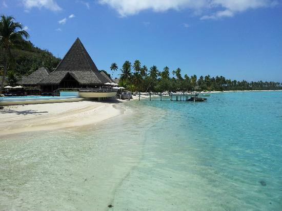 Sofitel Moorea Ia Ora Beach Resort: A piscina e a bela praia