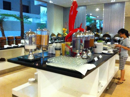 Savana Hotel & Convention: Breakfast