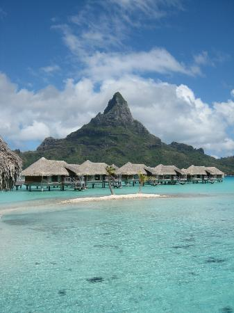 InterContinental Bora Bora Resort & Thalasso Spa: Some of the other villas