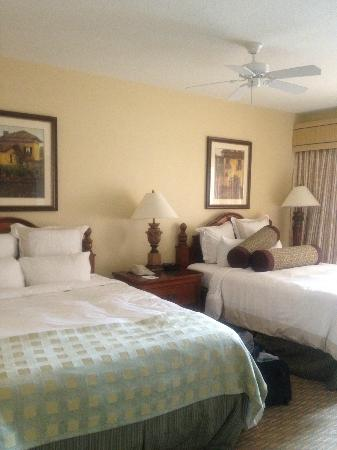 Marriott's Grande Vista: Guest Bedroom with two beds and walk out balcony